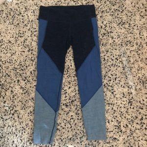 GAPFIT leggings in multicolored blue